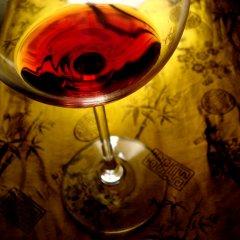 woman_drinking_wine_727114_m